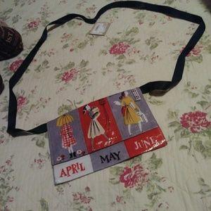 Pouch purse